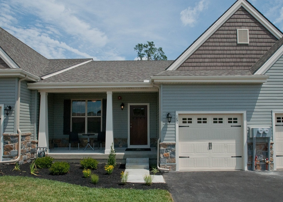 The Amelia  is one of our 55+ Active Adult community favorites! Featuring convenient first floor living with 2 Bedrooms, 2 Full Baths and a one car Garage.  The Amelia is available at Harlow Point as a carriage home and at Ashland as a single detached home.