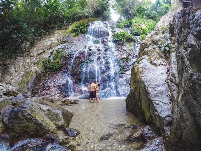 If you are looking for beautiful waterfalls to cool off in Minca, then the Marinka Waterfalls are your spot!. . . . #minca #mincacolombia #marinkawaterfalls #santamartacolombia #sierranevadasantamarta #sierranevadamountains #sierranevadadesantamarta #colombia_folklore #colombia_greatshots #colombia_estrella #colombiatravel #travelcolombia #colombiagrafia #colombiagram #idcolombia #santamartacolombia #santamartamagdalena #colombiaessabrosura #colombiatierraquerida #colombianiando #loves_colombia #colombiaespasion