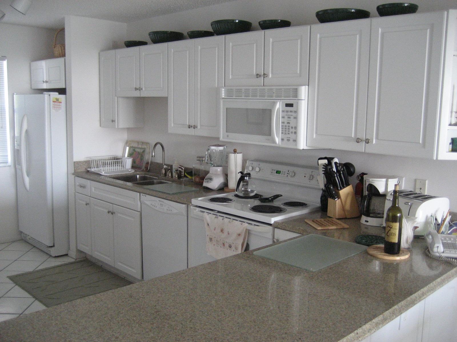 La Brisa Unit 301S Kitchen