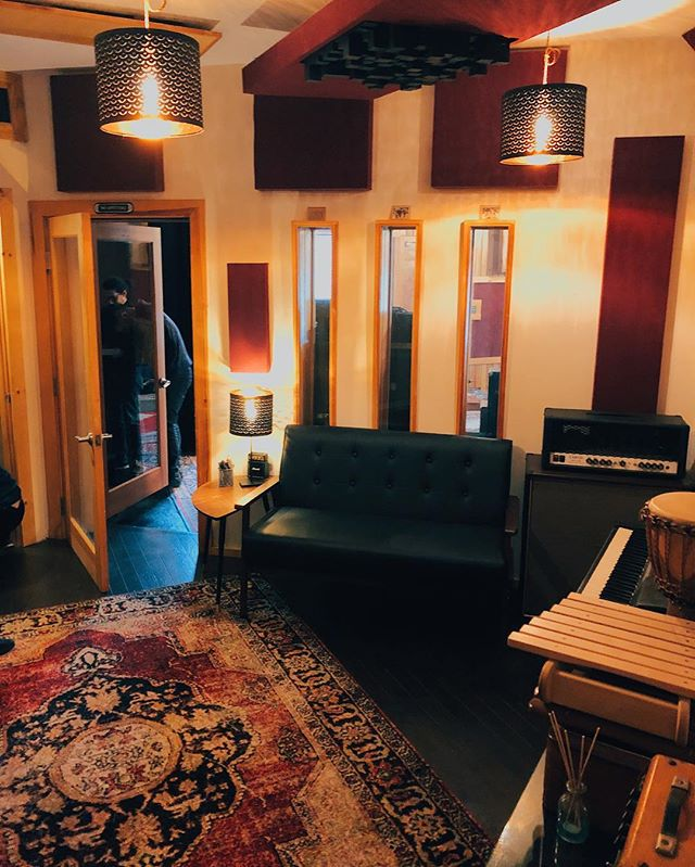 Studio A's booth at @thebridgesoundandstage is giving us all the vibes these days. #TheBridgeSoundAndStage #RecordingStudio #StudioVibes #StudioCity #ProducerCity #VocalBooth