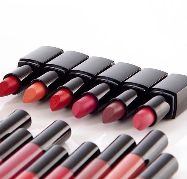 Weekend ready! What shade to wear??? Nu Evolution Lipsticks and Lipglosses in the juiciest colors for spring 💋made with a blend of certified organic ingredients such as jojoba seed oil, castor oil, cocoa butter, shea butter and more. So excited to be carrying one of the cleanest makeup lines out there. Visit Cotanova.com to shop now 🌟🌟🌟. #cotanova #nuevolutioncosmetics #greenbeauty #naturalbeauty #organicbeauty #organicmakeup #naturalmakeup#cleanbeauty #nontoxicbeauty #nontoxic #lipstick #weekendvibes
