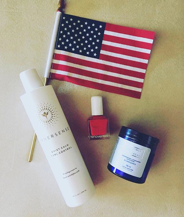 4th of July Sale happening now! Save 30% off your entire purchase with code: FIREWORKS! Save on all your favorite all natural, clean beauty brands ☀️🇱🇷🎉🎇