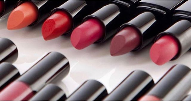 So many colors to choose from! Nu Evolution Lipsticks mane with certified organic ingredients and no harmful chemicals! Shop now at Cotanova🌟🌟. #greenbeauty #naturalmakeup #naturalbeauty #naturalskincare #naturalingredients #organicingredients #organicbeauty #organicmakeup #organicskincare #wellness #lips #lipstick #smallbusiness