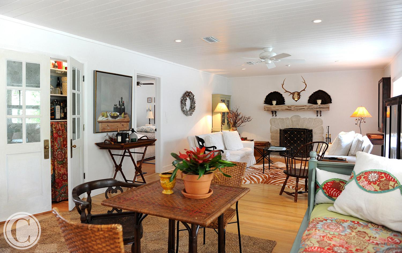 Atlantic Beach Home Renovation, Family Room, Dry Bar Hidden Behind Doors, ©Mark Sain Wilson Photography
