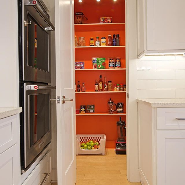 For some fun in the kitchen paint the inside of your pantry! 🤩 This one is Hermès orange 🍊 📷: @wallysearsphotography  #homerenovation #jacksonville #builder #contractor #ilovemyclients #atlanticbeach #neptunebeach