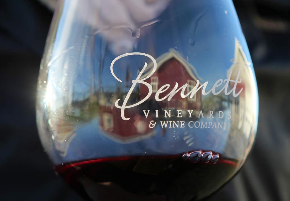 bennett-vineyards-glass-reflection