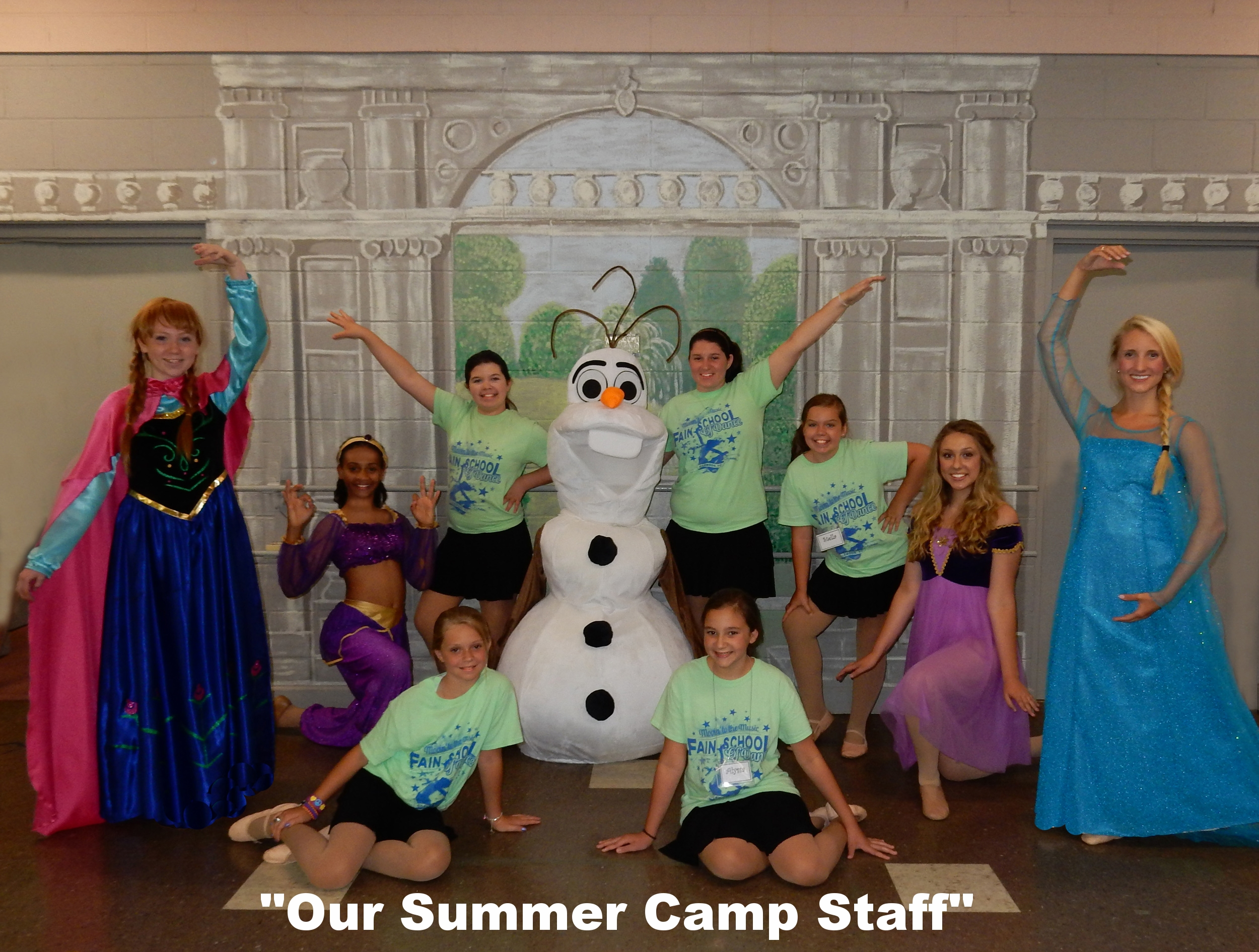 Frozen 2015 Assistants 1.jpg