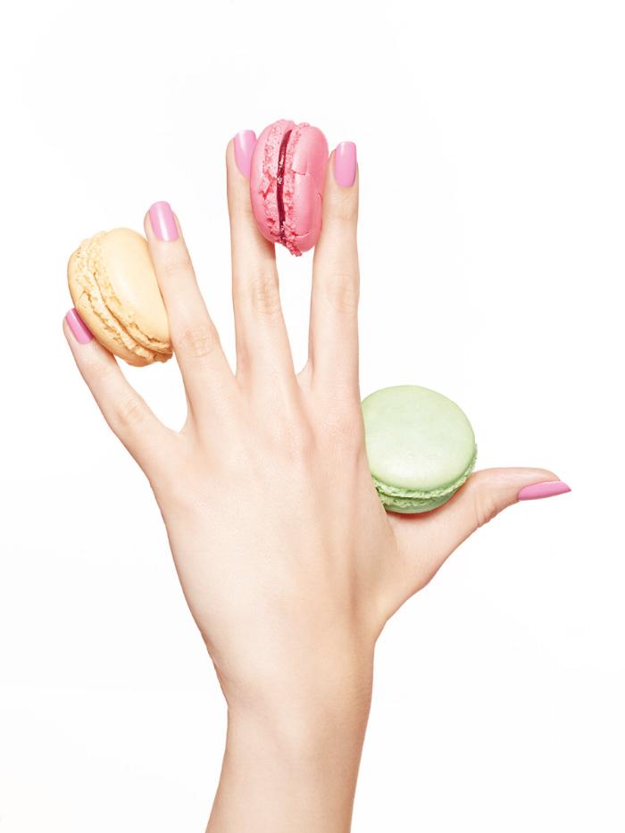 pink-nails-macaroons