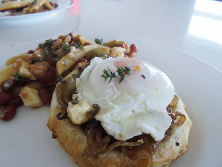 Olivia Moore   Caramelised Onion & Feta Tarts with Poached Eggs & Bean Salad    I Love Eggs – Feed the Family with Eggs