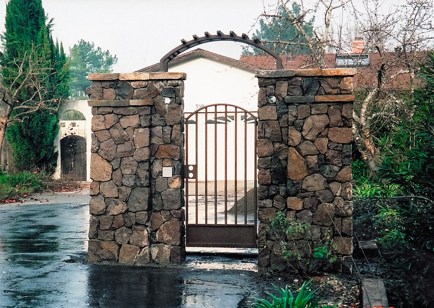 stone column stone entry gate.jpg