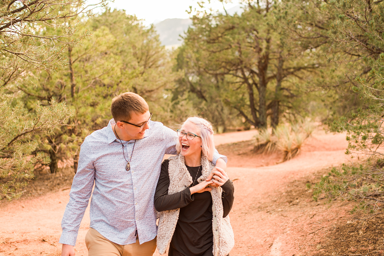 garden-of-the-gods-engagement-session-colorado-springs-wedding-photographer-k-m-6.jpg