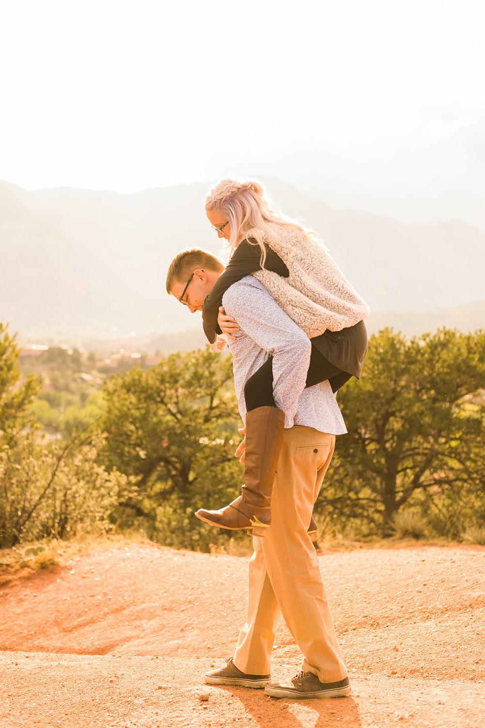 garden-of-the-gods-engagement-session-colorado-springs-wedding-photographer-k-m-12.jpg