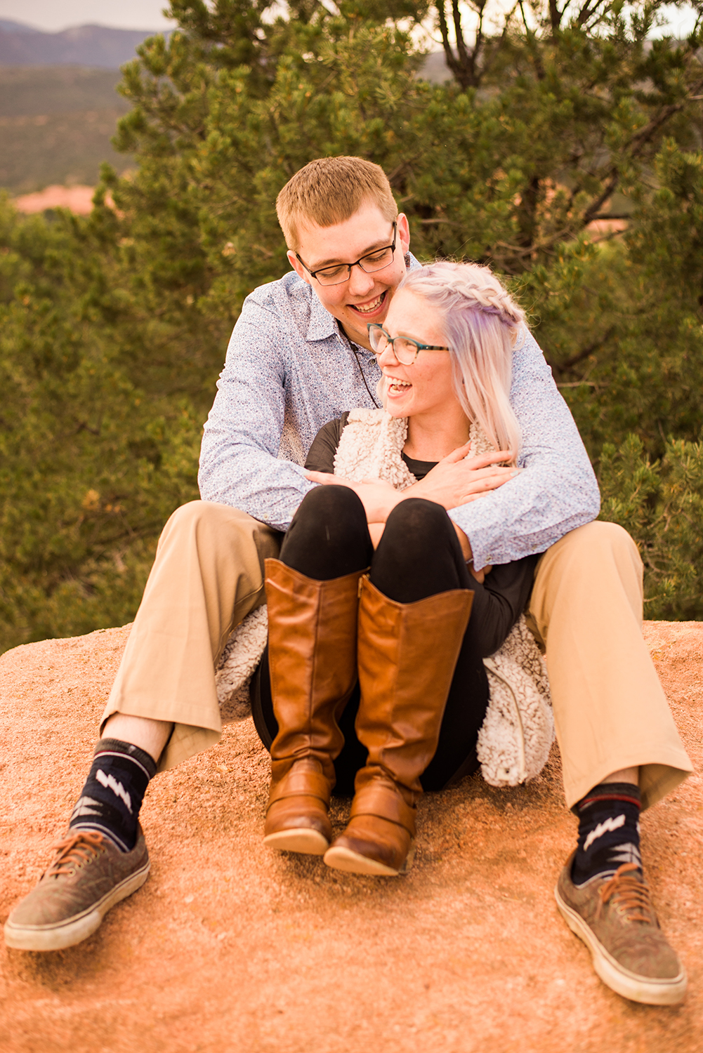 garden-of-the-gods-engagement-session-colorado-springs-wedding-photographer-k-m-15.jpg
