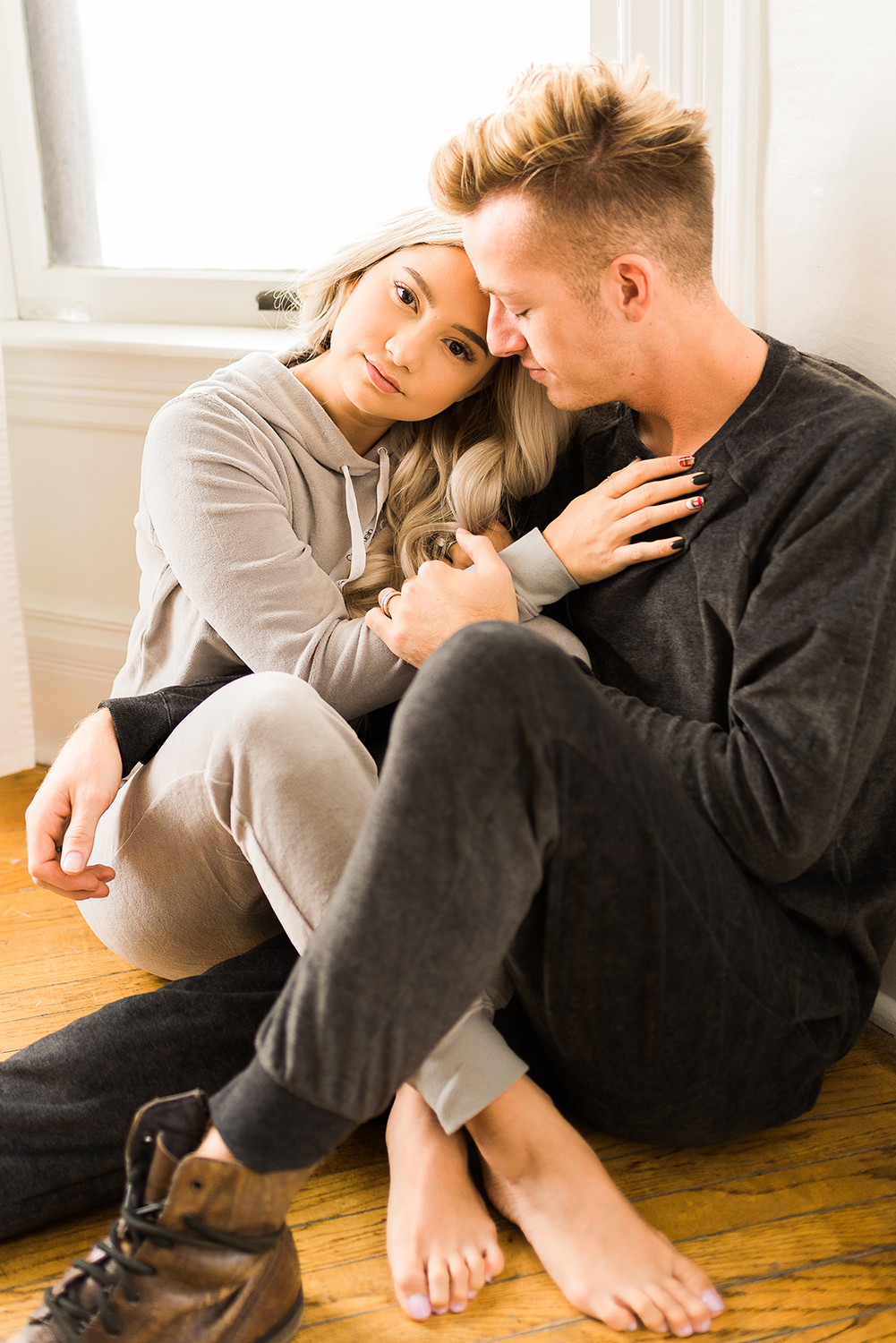 in-home-couples-session-colorado-photographer-11.jpg
