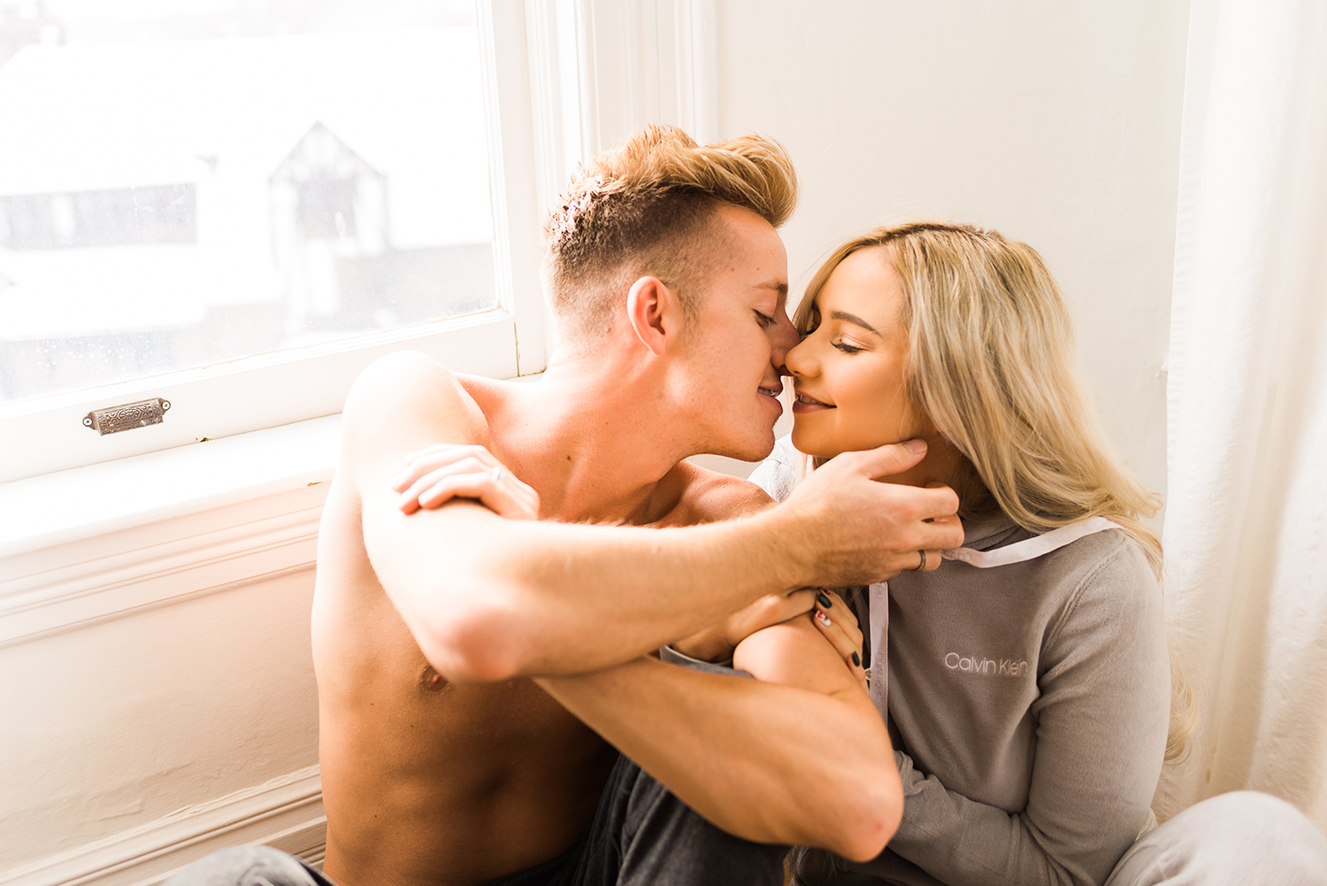 in-home-couples-session-colorado-photographer-21.jpg