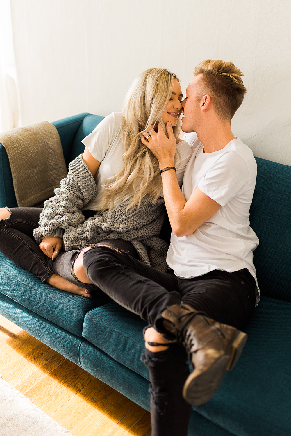 in-home-couples-session-colorado-photographer-43.jpg