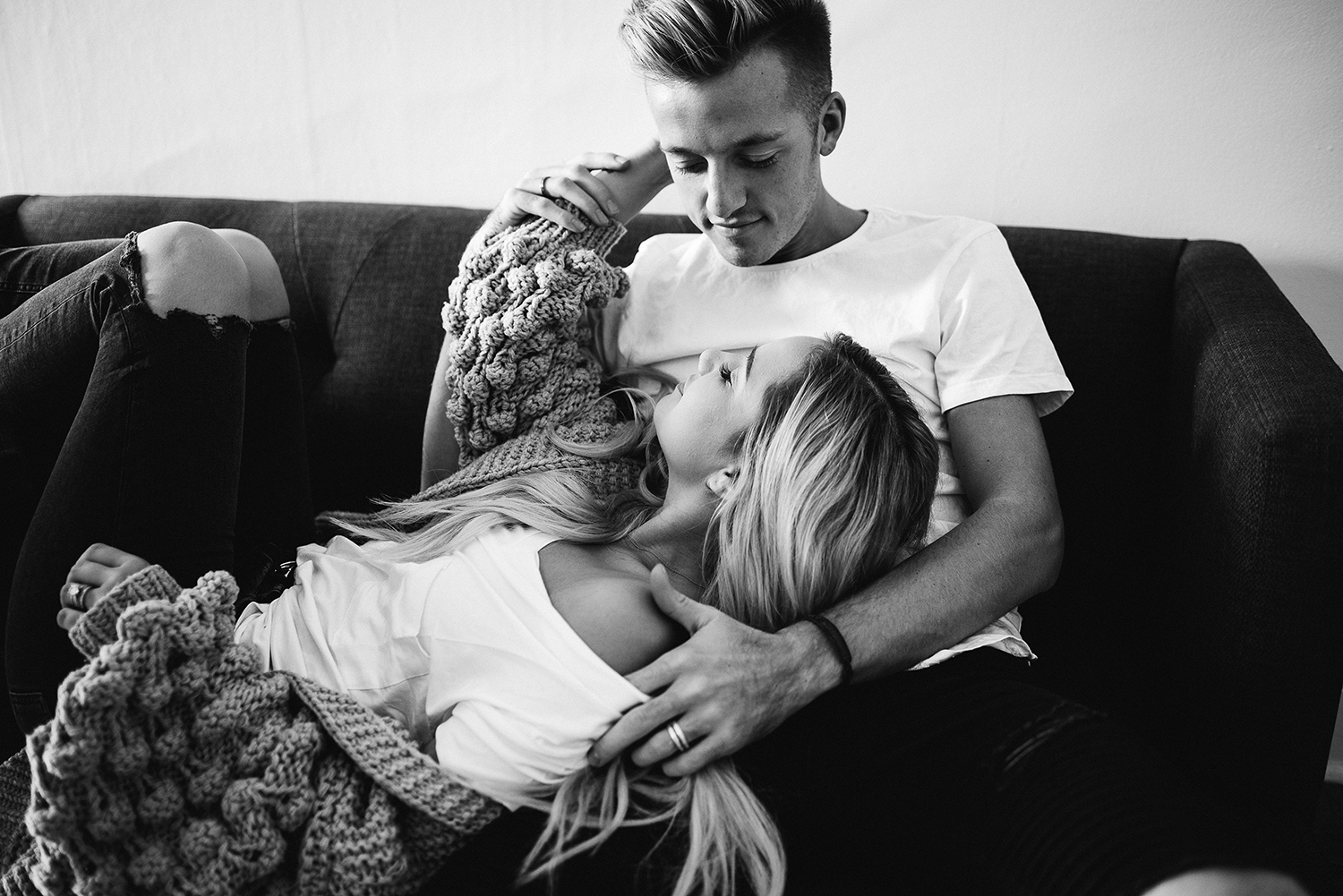 in-home-couples-session-colorado-photographer-33.jpg