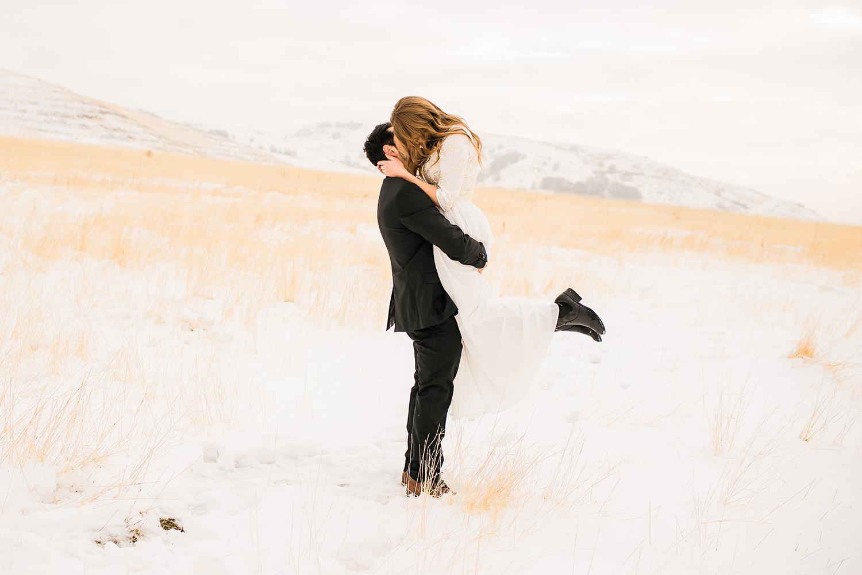colorado-winter-elopment-colorado-springs-wedding-photographer-29.jpg