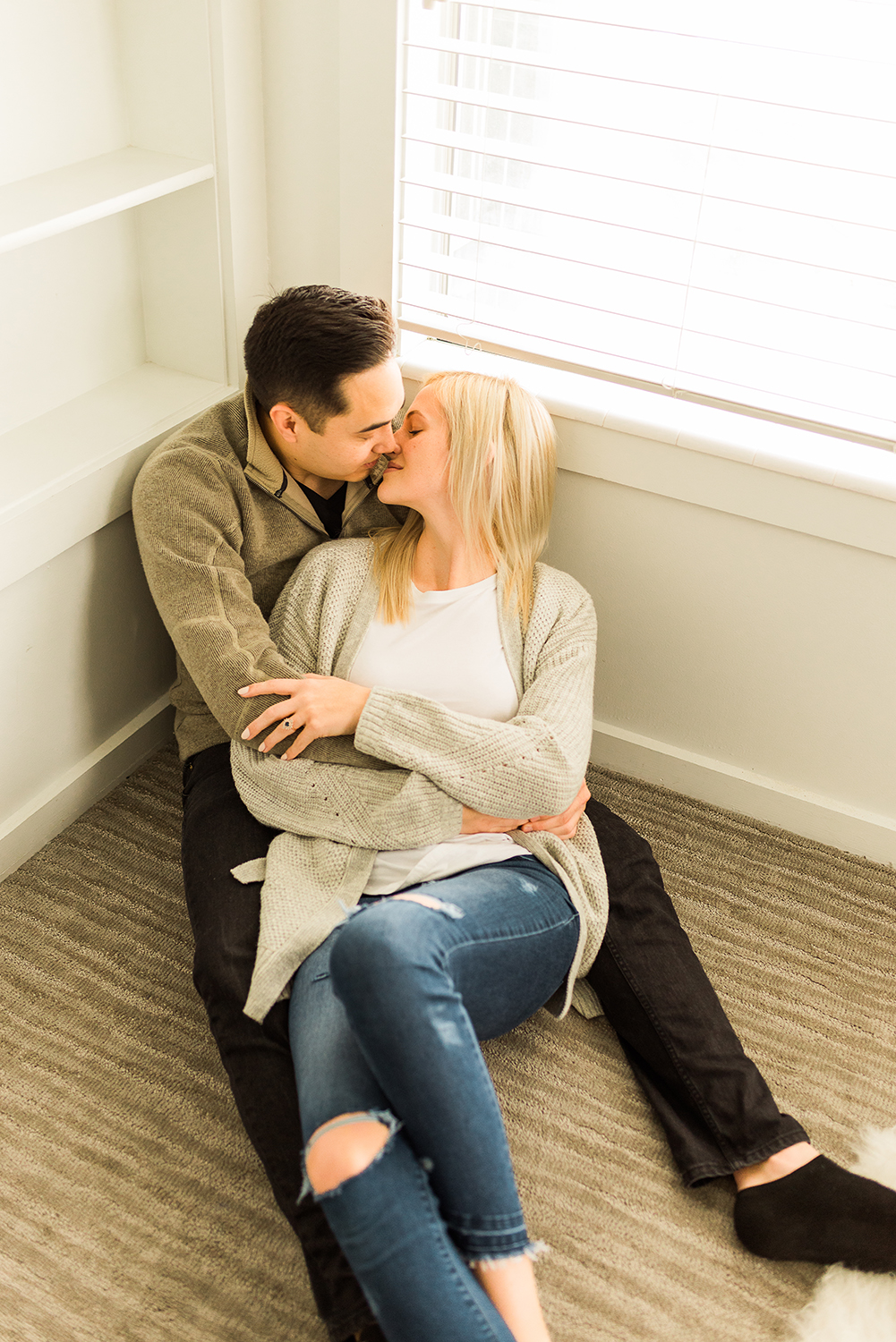 in-home-engagement-session-denver-engagement-photographer_10.jpg