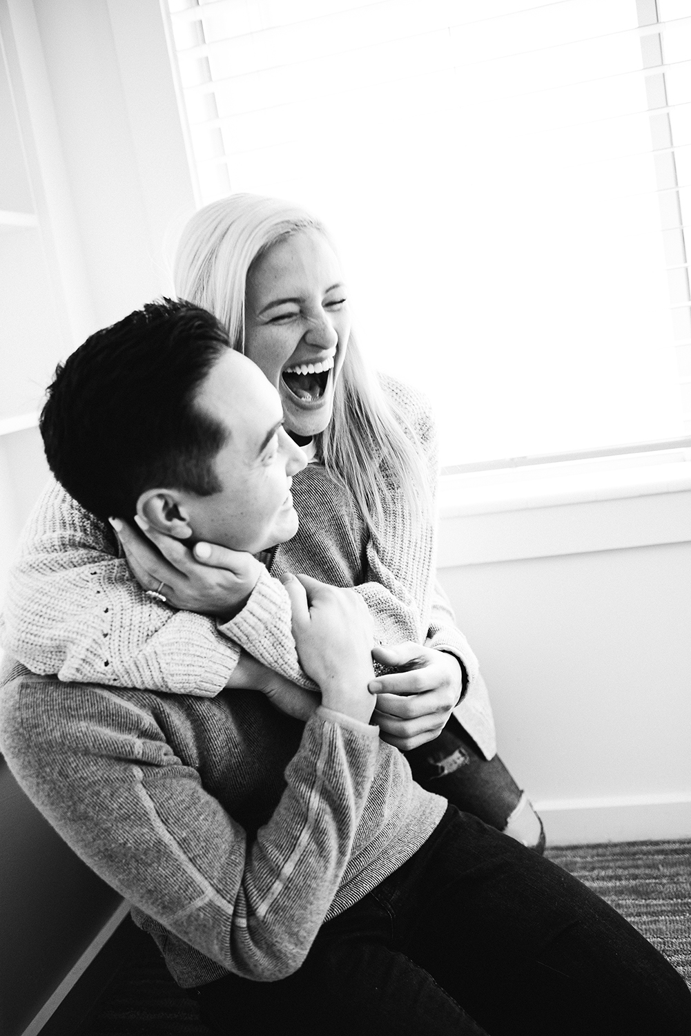 in-home-engagement-session-denver-engagement-photographer_12.jpg