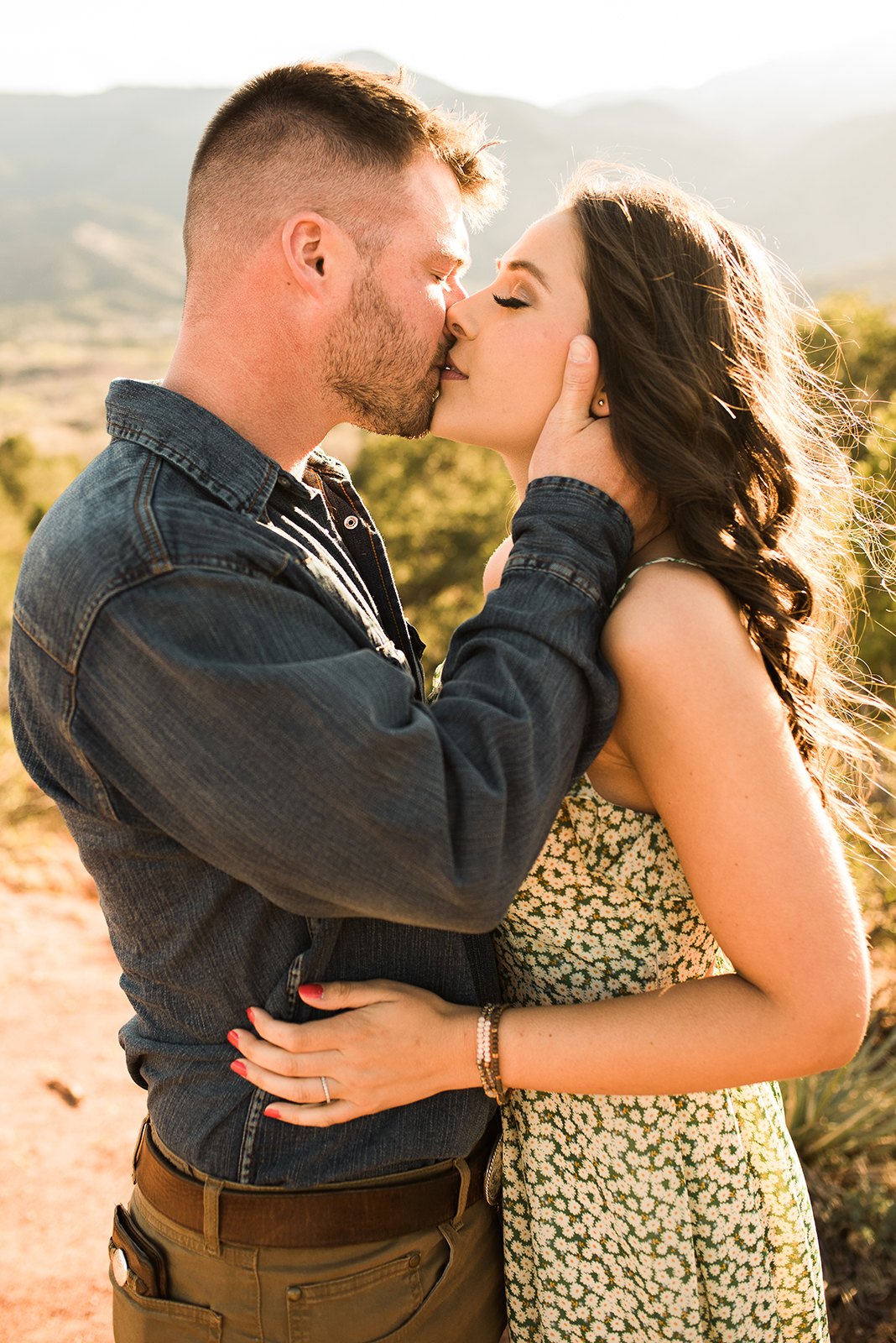 garden-of-the-gods-couples-session-colorado-springs-photographer-6.jpg