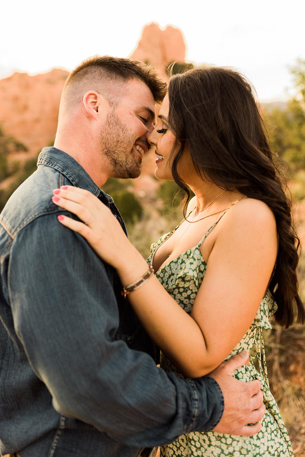 garden-of-the-gods-couples-session-colorado-springs-photographer-13.jpg