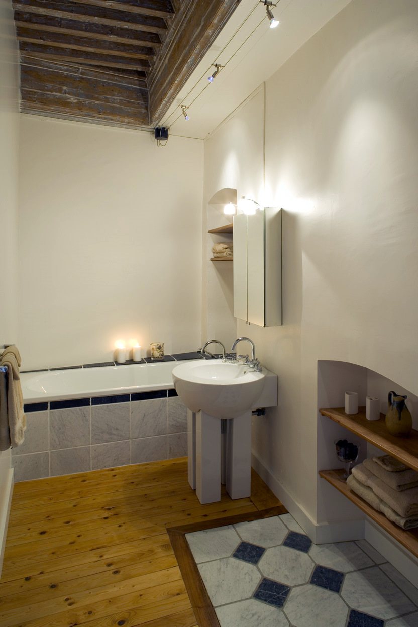 Bedroom 8 Bathroom