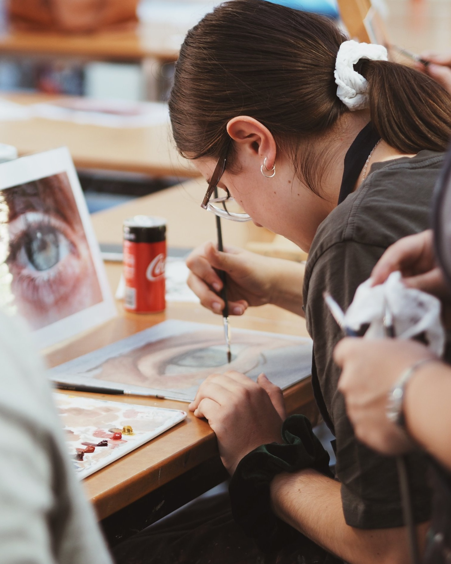 Art incursions - Bring me to your school! I teach a variety of Highschool Art Incursions ranging from:• Pencil drawing and photo referencing• Charcoal drawing from life• Oil painting value, temperature & skin toneLet's join forces to better and equip the emerging artists of our world together!