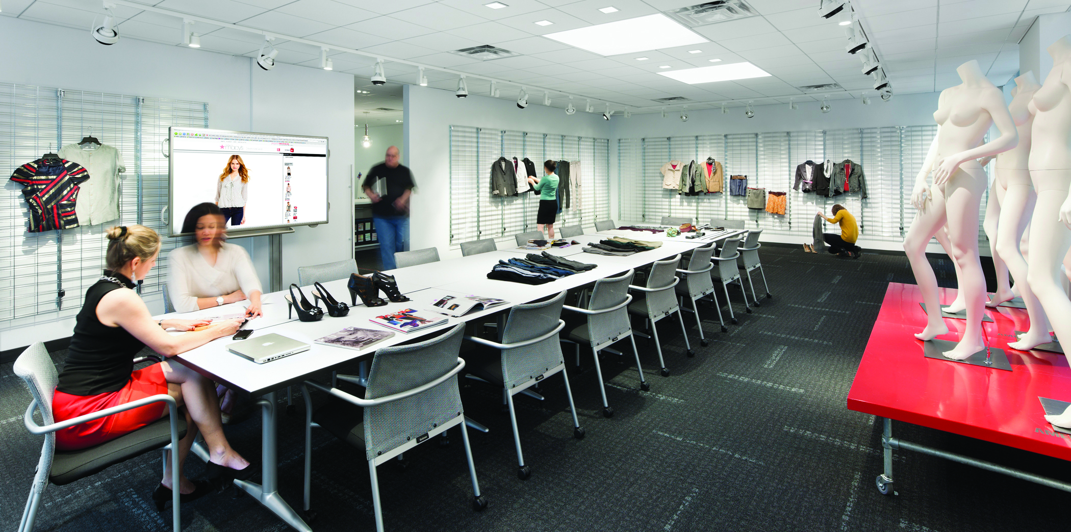 Fashion Retailer - Full Floor Build-out