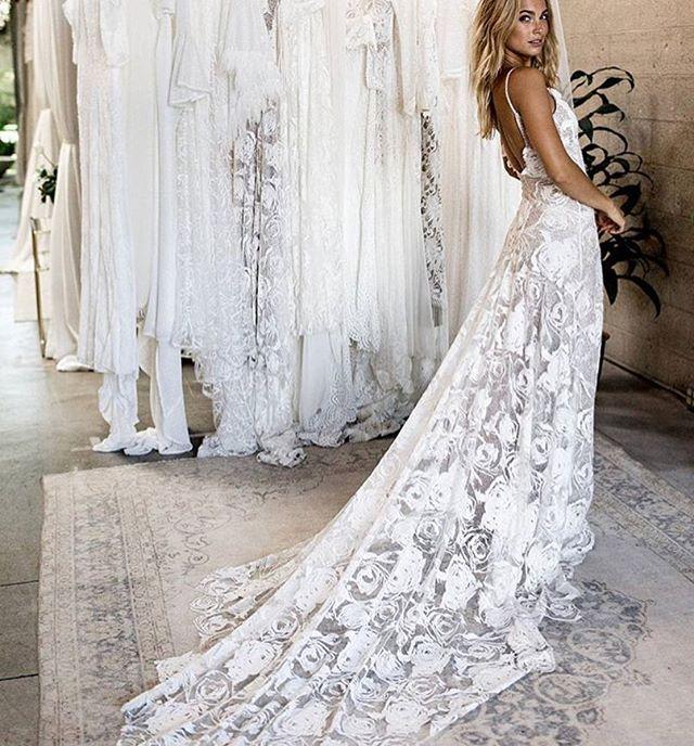 Happy Friday!! Brides to be 💁🏼♀️ if you haven't checked out @grace_loves_lace insta feed...do it now! 😍 . . Their gowns are beautiful & unique! I'm kinda obsessed!! ❤️ . . . #bridalfashion #weddingdress #weddingdresshunting #weddinggown #bridalgown #luxurywedding #designerweddingdress #bohowedding #lacegown #laceweddingdress #bohoweddingdress #uniqueweddingdress #australiandesigner #bridegoals #dreamwedding #engaged #isaidyes #heasked #gettingmarried #weddingplanningtime #bridevibes #bride2019 #weddingaddict #pinterestwedding #futurewifey #marryingmybestfriend