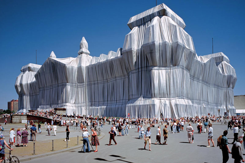 Wrapped Reichstag / Christo