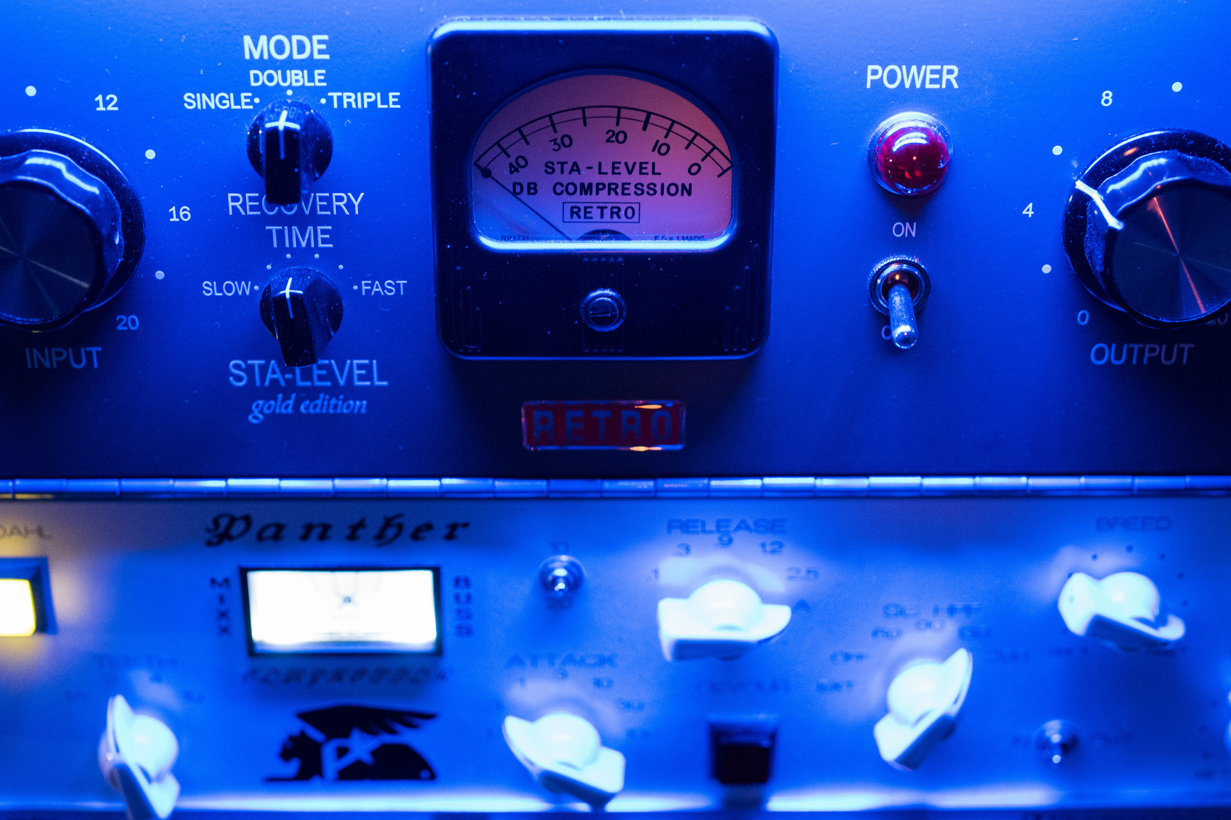 Retro Sta Level w/Panther Bus Compressor
