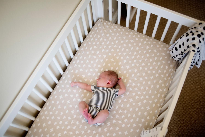118-newborn-photographer-in-phoenix-arizona-lifestyle-session.jpg