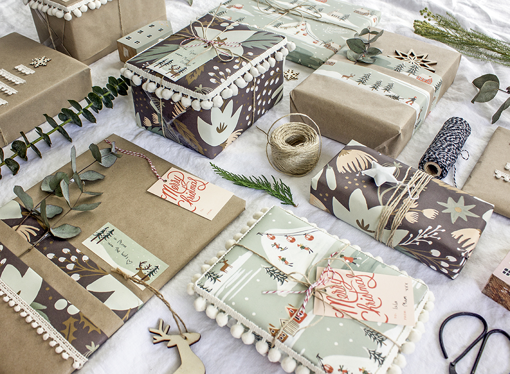 Styled_White_DIY_Scandi_Gift_Wrapping_Ideas_by_Clever_Poppy_with_Scotch_Tapes.jpg