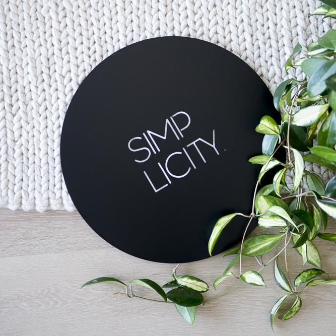Lisa Sarah - Simplicity Wall Plaque