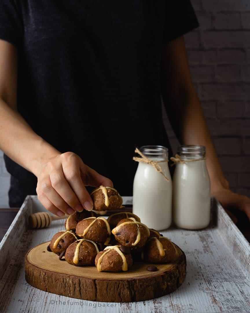 Some hot cross buns from  @thefumblingbaker