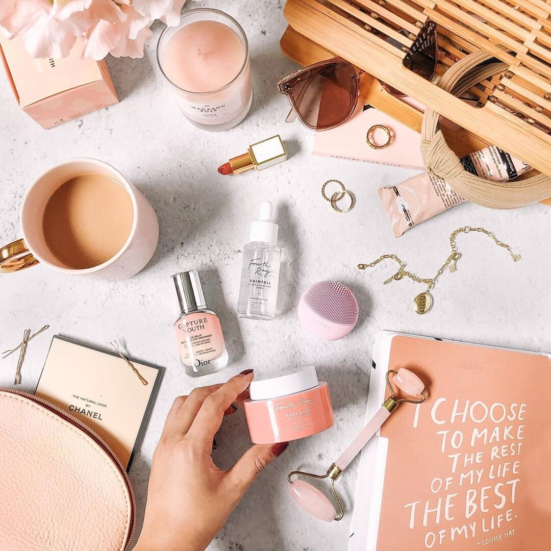 Some peachy keen beauty favourites. Source:  @ardaisy_