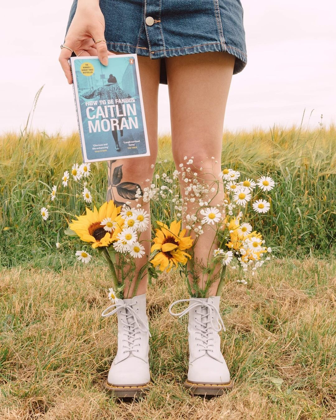 Your boots can become a handy vase. Source:  @frombeewithlove
