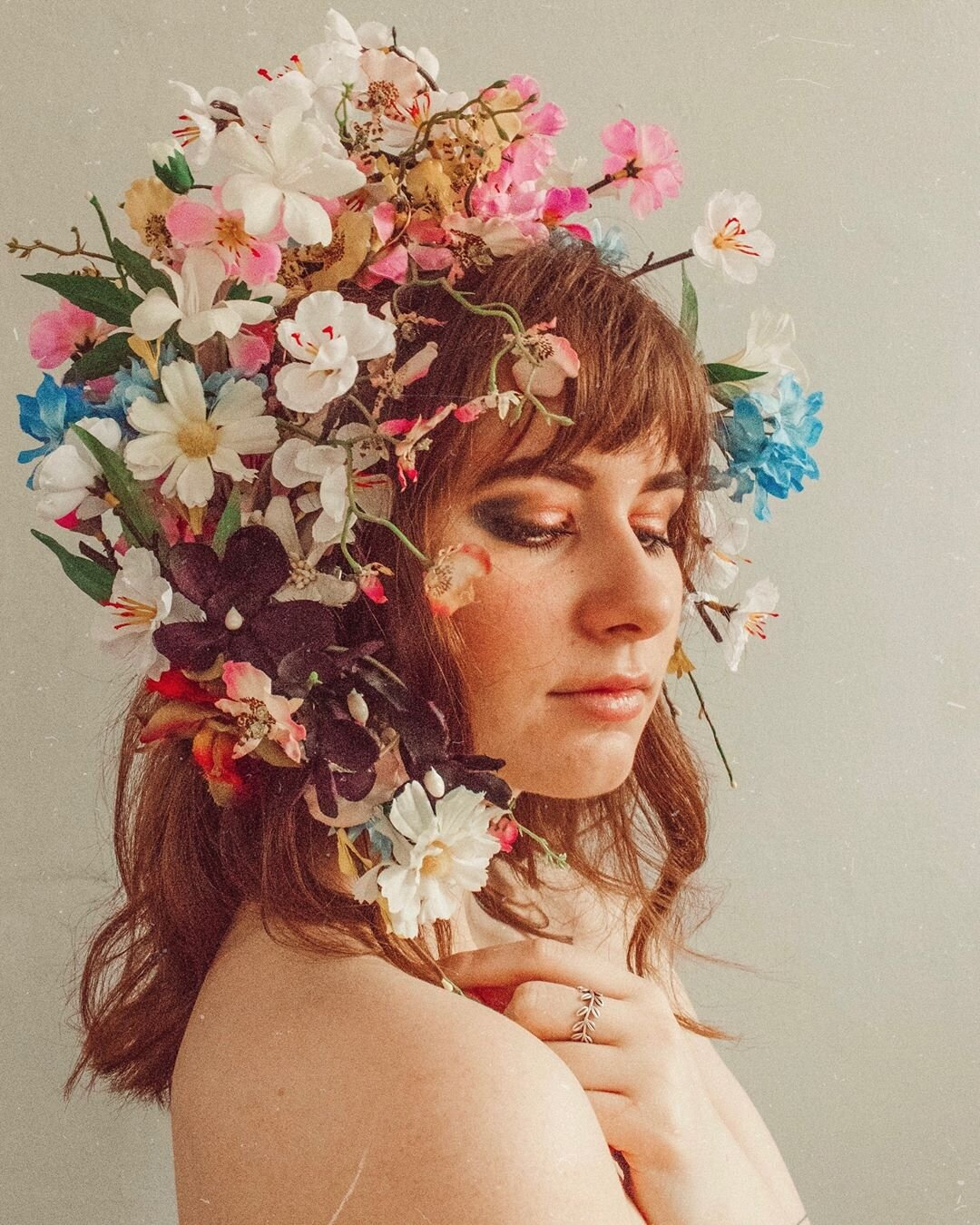 A beautiful flower crowned self portrait by Bronte. Source:  @frombeewithlove