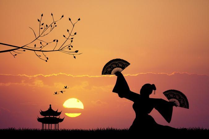 212290-675x450-japanese-dancer-at-sunset.jpg