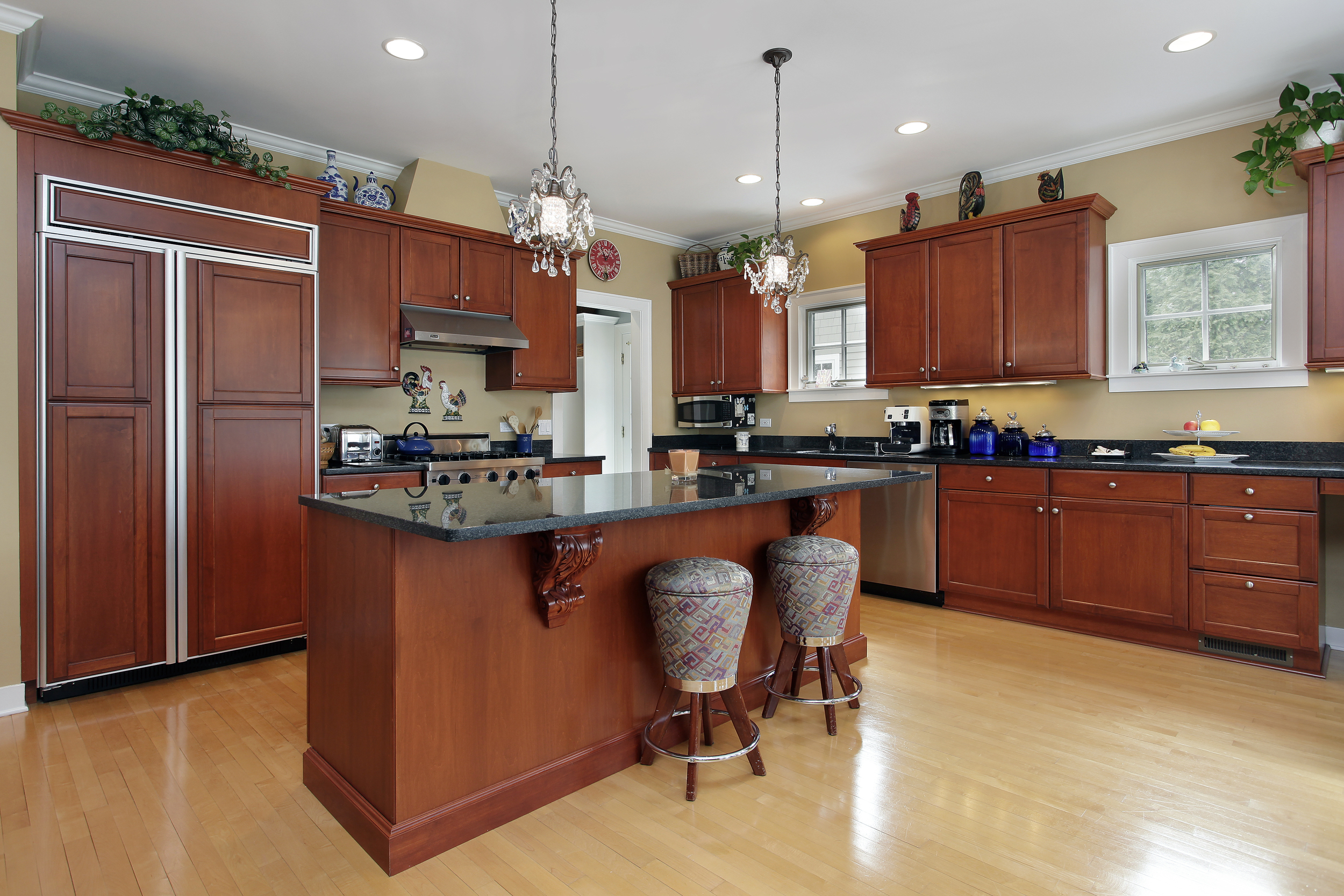 Kitchen-WithIsland+BrownWood-shutterstock_109770134.jpg