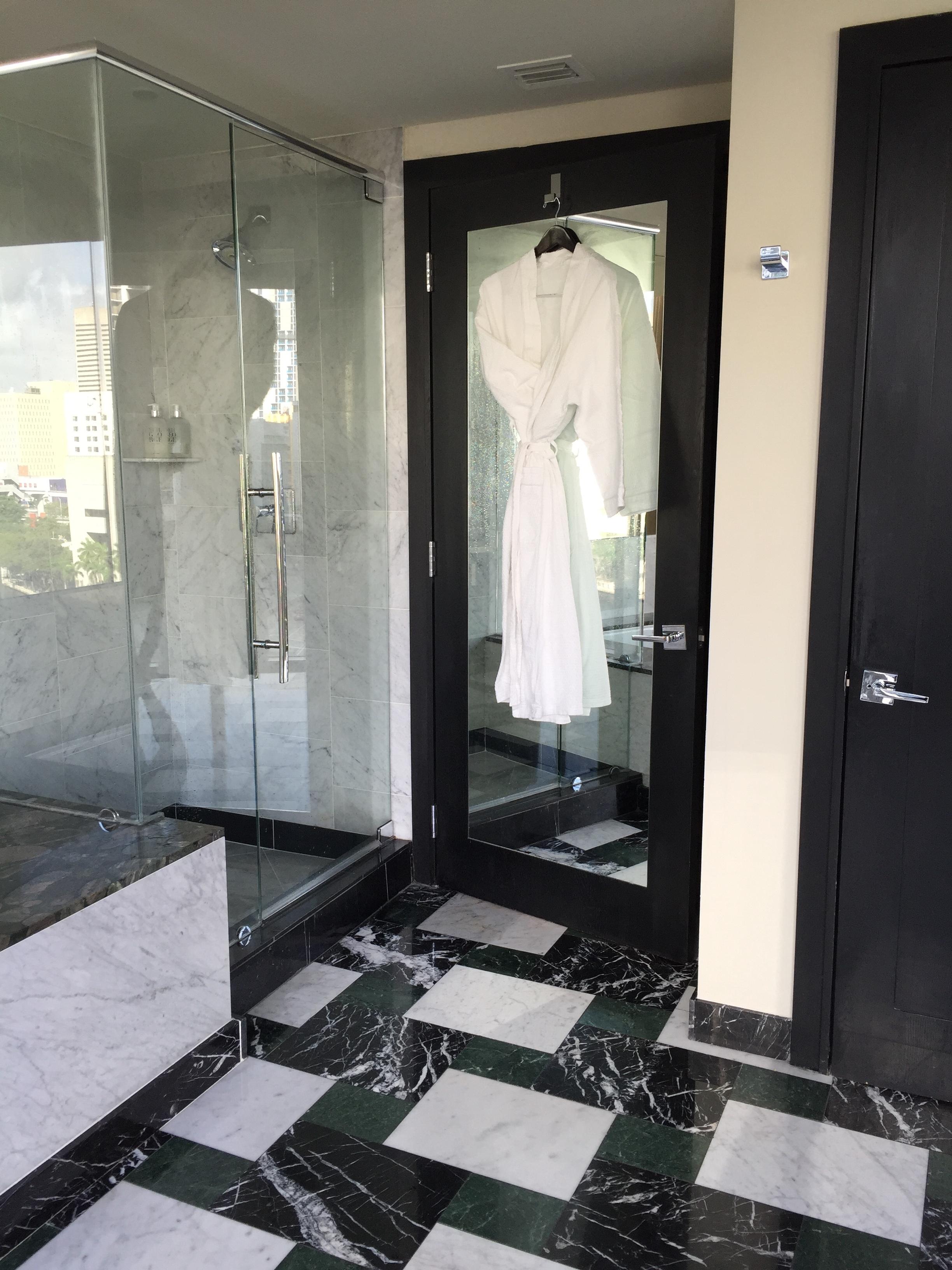 Viceroy Miami Corner Suite Bathroom