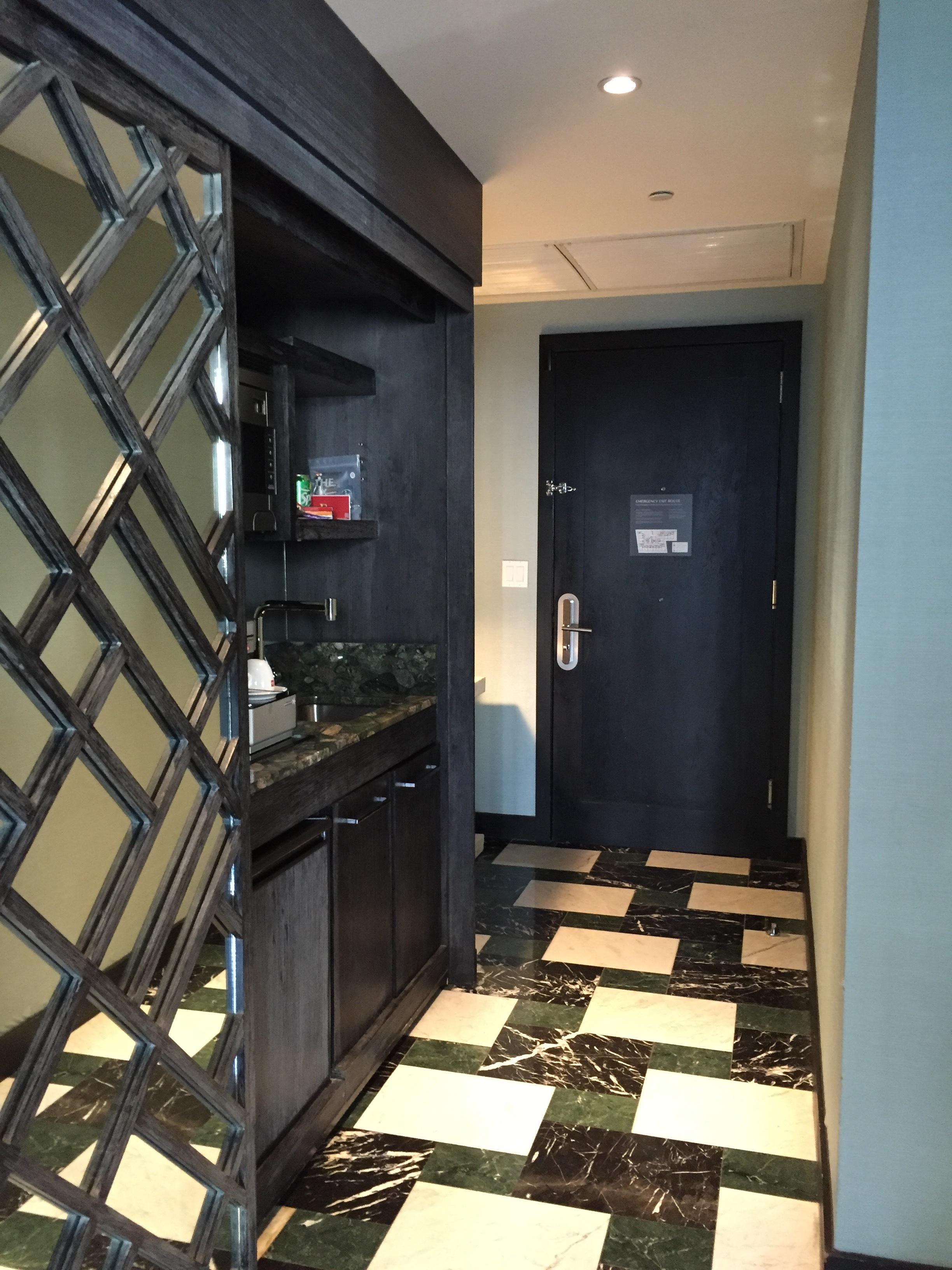 Viceroy Miami Corner Suite Entry