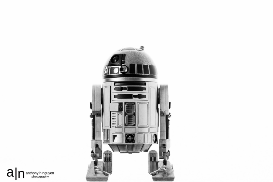 This is not the droid you're looking for.                                                                                       (photo geeks - 85mm, f/1.8, 1/125, ISO 100)
