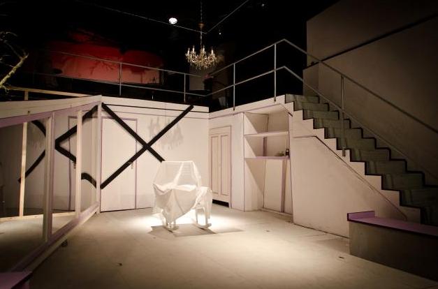 """""""Der Kirschgarten"""" von Tschechow  Regie & Bühne Sarah Bellin  Turbine Theater, 2013"""