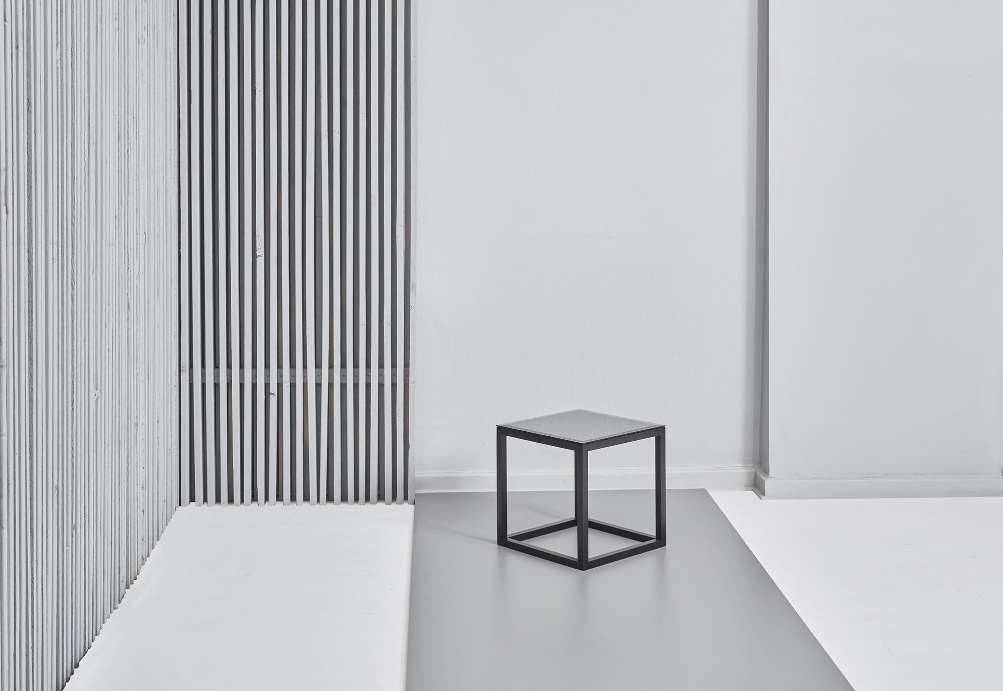7.KristinaDamStudio-SS16_cube_table_mirror.jpg