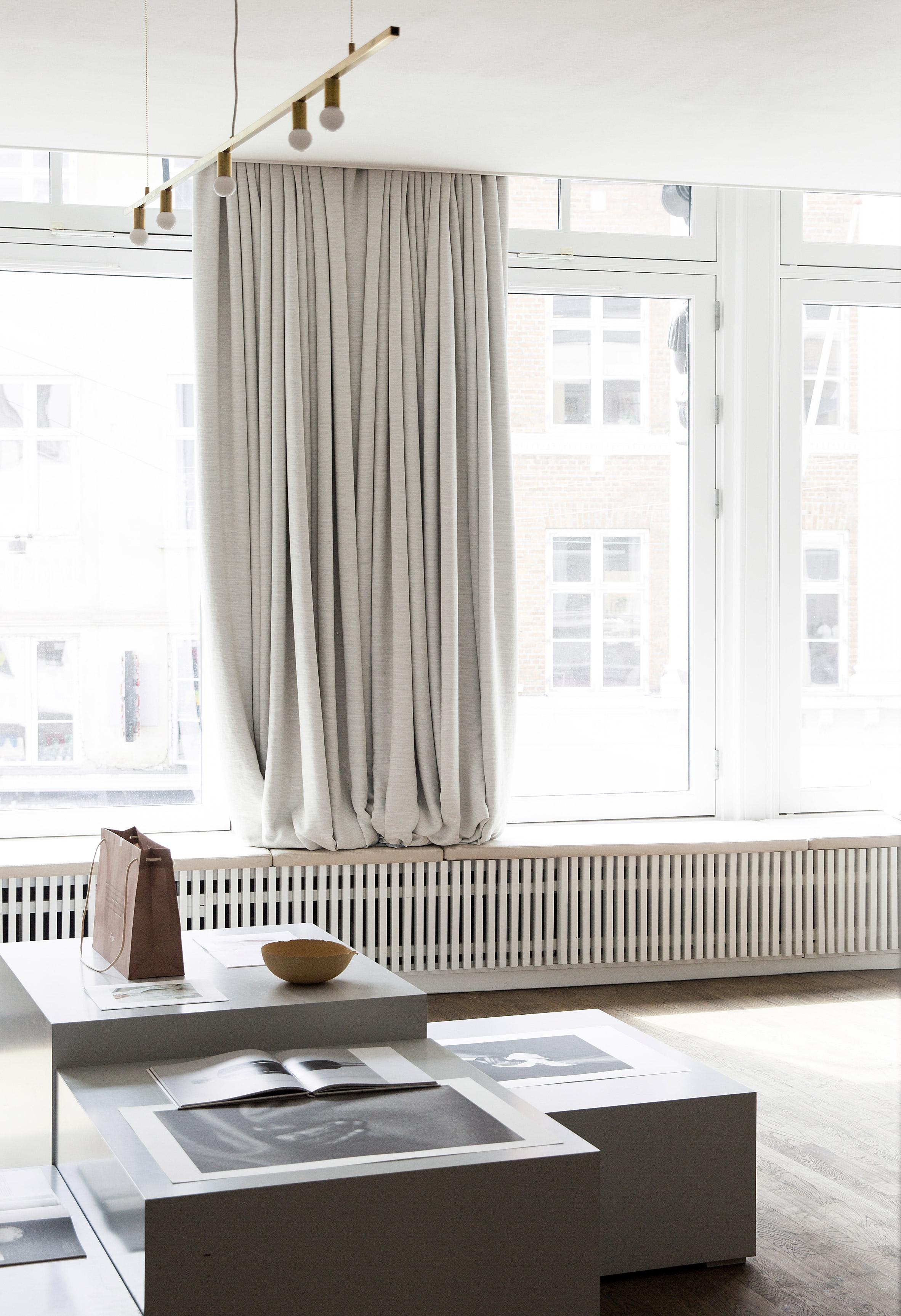 kinfolk-office_norm_architects_interiors_gallery_copenhagen_dezeen_2364_col_5.jpg