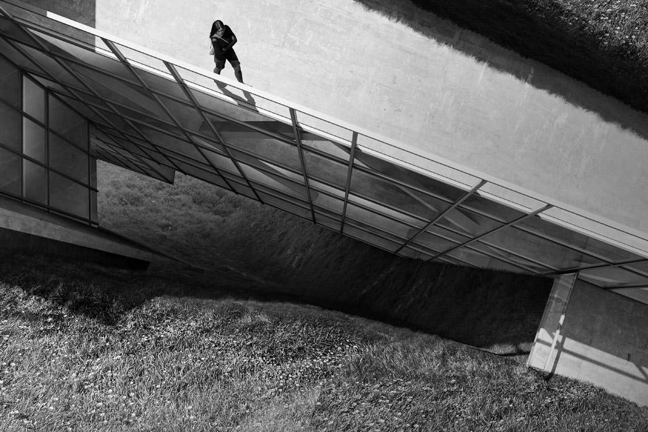 cliff-top-retreat-alex-hogrefe-visualizing-architecture-iceland-conceptual-concrete_dezeen_936_6.jpg