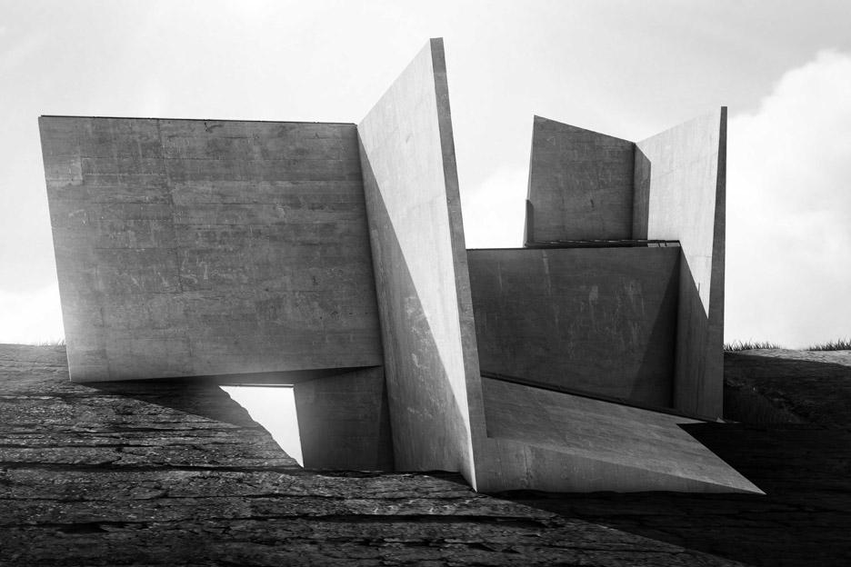 cliff-top-retreat-alex-hogrefe-visualizing-architecture-iceland-conceptual-concrete_dezeen_936_3.jpg