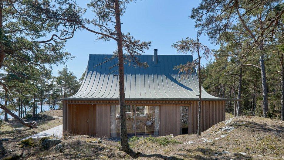 krokholmen-house-tham-videgard-architecture_dezeen_2364_hero-1.jpg